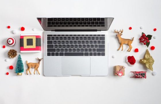 Experts Share Their Top 8 Holiday Email Marketing Tips for 2020