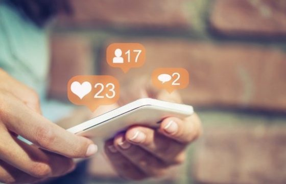 9 Social Media Trends Marketers Should Watch in 2021 [Data + Expert Tips]